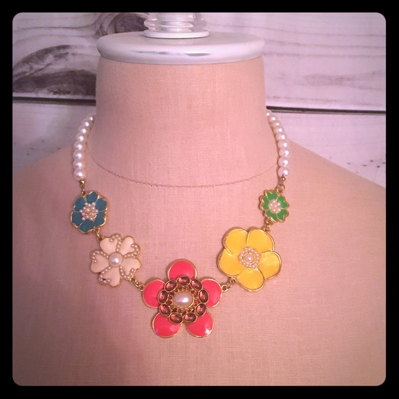 Anthropologie Jewelry - Anthropologie Chunky Statement Necklace